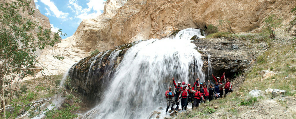 rafting in zanskar indian himalaya